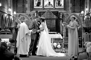wedding-ceremony-kiss-the-bride-