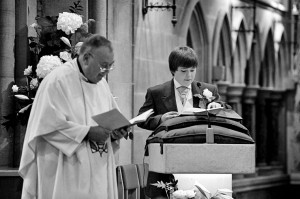 pageboy-wedding-reading-