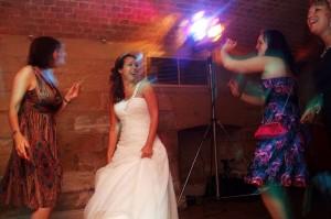 bride-dancing-