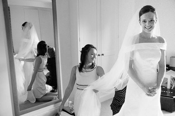 fixing brides veil