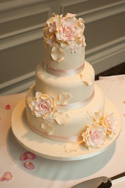 debonairs wedding cake