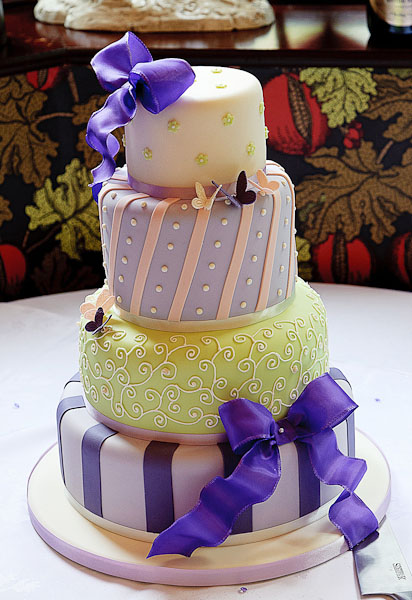 wedding cake by truly scrumptious