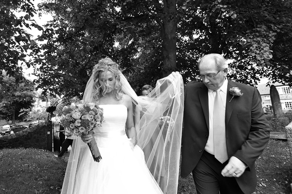 bride and dad at church wedding wynyard