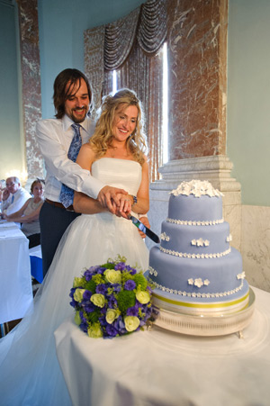 bride and groom cutting cake wynyard hall wedding